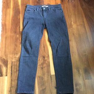 Levi's 711 Skinny Jeans 28